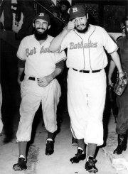 Barbudos_-_Fidel_Castro_and_Camilo_Cienfuegos